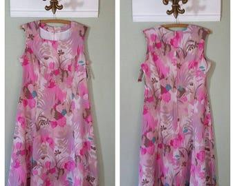 1970's Sleeveless Polyester Dress with matching Belt, Botanical Print, Princess seams, Day Dress, Size Large