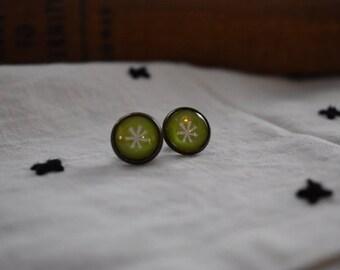 Green Flower Glass Cabochon Stud Earrings, Mid-century Modern, 12 mm