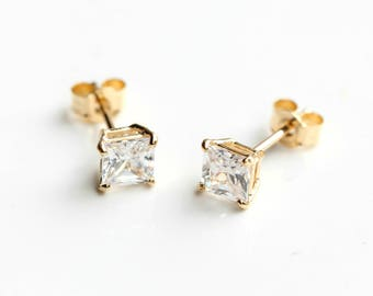 9ct Gold Cubic Zirconia Stud Earrings - 9ct Gold Diamond Earrings - Yellow Gold Square Stud Earrings 4mm - FREE TRACKING - B44