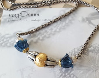 Bluebell Flower Necklace beaded, Jewelry for Gardeners, Spring Flowers Blue Necklace, Victorian Jewelry, Vintage upcycled Jewelry veryDonna