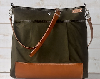 BEST SELLER Messenger bag/Diaper bag Green Stockholm with Crossbody Leather strap