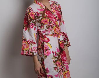 White pink floral bridal party robes, bridesmaids robes and gifts, fuchsia pink floral kimono, getting ready wedding robe, set of 2, 3, 4, 5