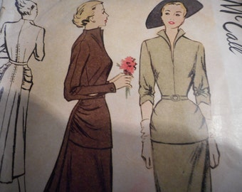 Vintage 1940's McCall 7725 Dress Sewing Pattern Size 16 Bust 34