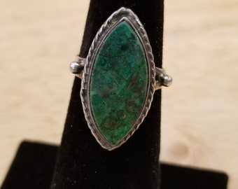 Sterling Silver Green Stone Ring