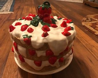 Vintage strawberry cake plate