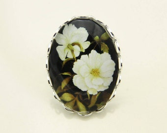 White Flower Ring, Flower Ring, 1825B