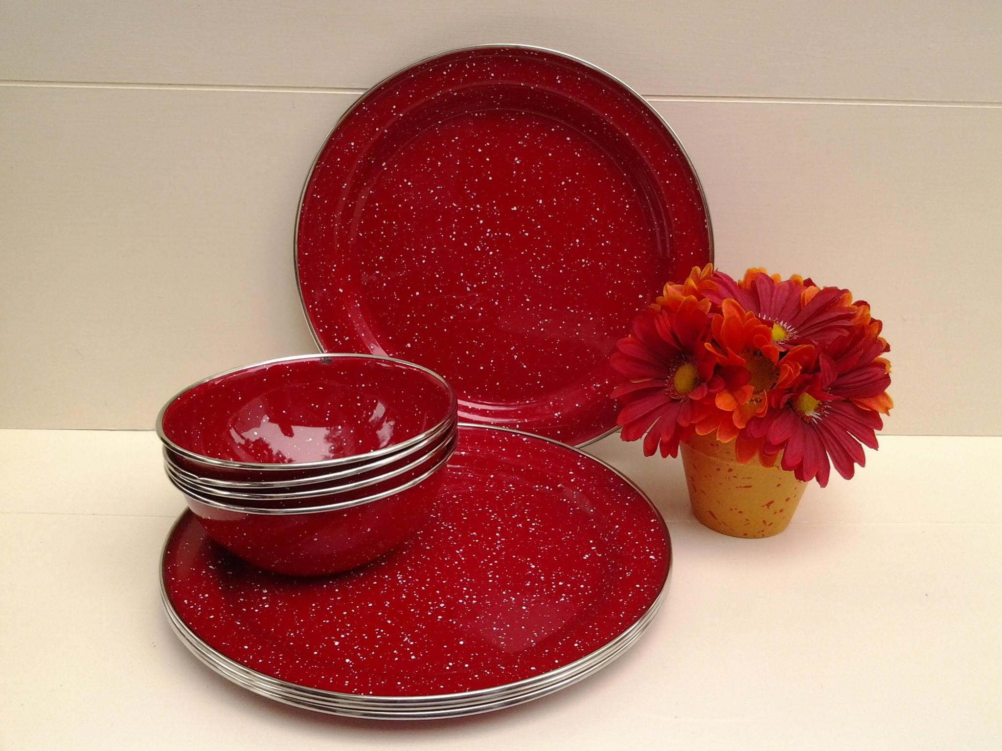 Description Vintage Red And White Enamelware Dish Set