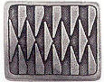 Danforth Button: AFRICAN SPEAR Danforth Pewter Button