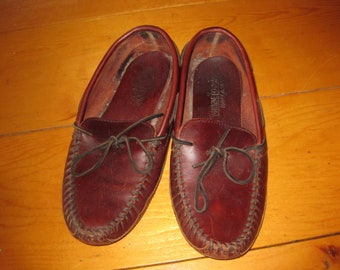 Mens Hand sewn leather Minnetonka soft sole whip stitched moccasins driving hippie boho 9.5 W