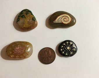 Set of Four Metallic Accent Nature Dot Rocks