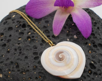 Shell Necklace, Heart Shaped Shell Necklace, Beach Jewelry, Shell Necklace, Love, Valentines Day