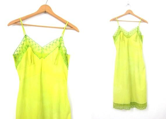 Chartreuse Green Slip Vintage Pin Up Lingerie Full Length Midi Slip Hollywood Glamour Movie Star Gown Women's Size 34 Medium