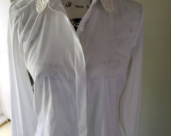 Ann Taylor vintage blouse....pearl collar....white...front buttons