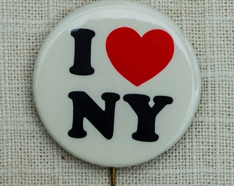 """1978 I Love New York Button """"I Heart NY"""" Classic Graphic Pin-Back Button Vtg Pin 7EE"""