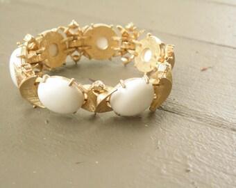 Vintage Sarah Coventry White Bracelet  - 7 Inch