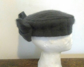 Ladies hat, hat, hat with bow 80/90 vintage years in soft wool, Grey Hat with bow back years 80/1990
