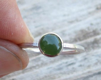 Native American Inspired Nephrite Jade Sterling Silver Ring - Size 6-3/4