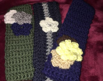 Earwarmers with flowers