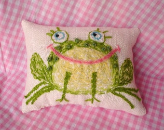 Cute Frog Hand Embroidered Crewel Pillow Made to Order YelliKelli