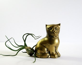 Vintage Brass Cat Figurine - Brass Animal Decor - Cat Sculpture - Desk Paperweight - Feline Decor - Brass Home Decor - Brass Animal Figurine