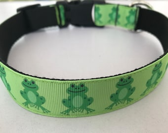 Large 1 inch Green Frogs Dog Collar