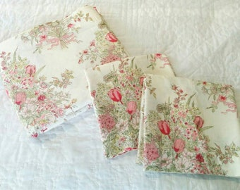 Vintage Pink Bouquet Full Size/Double Size Sheet Set - Pink Roses in a Bouquet Flat Sheet and Pillowcases - Country Chic - Kitsch Sheet Set