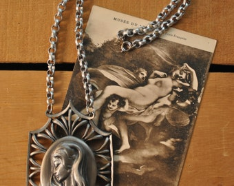 1960s Pewter Cameo Medallion Necklace