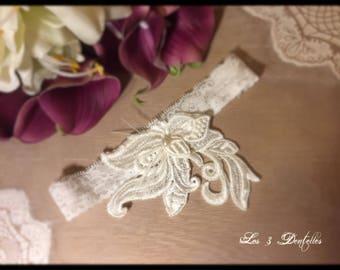 Ivory lace wedding garter * descent flowers * custom