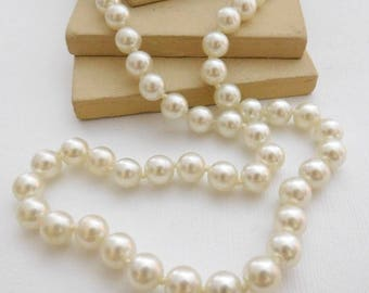 """Vintage Classic Knotted White Faux Pearl Bead 18"""" Necklace RR12"""