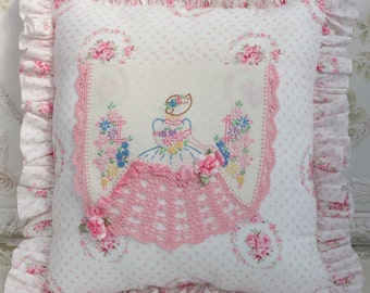 Southern Belle Pillow w Pink Roses
