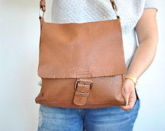 Vintage MESSENGER LEATHER BAG , women's leather bag..................(495)