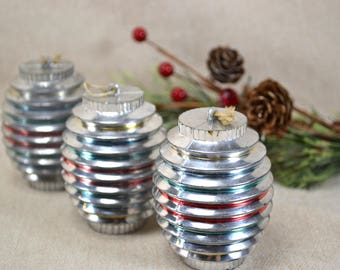 Vintage UFO Ornaments, 1950s Atomic Age Christmas Ornaments, Unbreakable Vintage Ornaments, Silver, Red, Gold, Green Ornaments, Set of 3 480