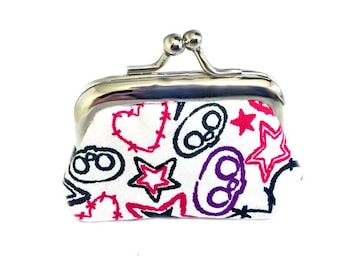 Skull And Stars And Hearts - Tiny Kisslock Metal Frame Coin Purse