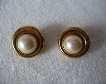 clip on earrings, vintage,