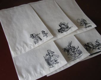 15 ALICE IN WONDERLAND party favor or treat bags- White or Brown