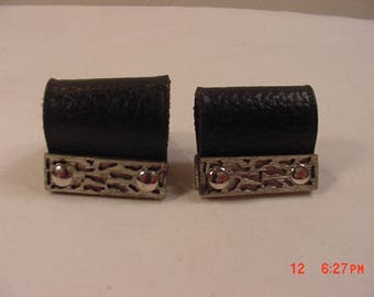 Vintage Black Leather Wrap Around Cuff Link Set   18 - 107