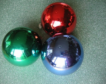 "Three Vintage Glass Christmas Ornaments 1950's, Caps say ""Rausch"""