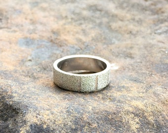 Vintage Silver Tone Band Ring Uncas Brushed Silver