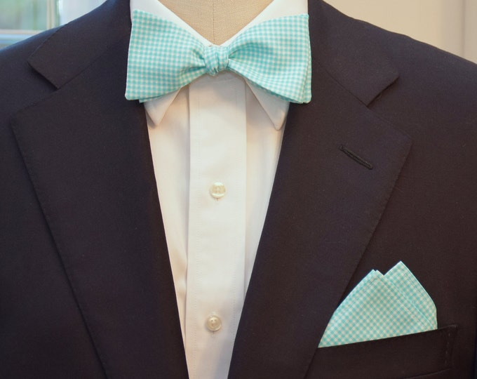 Men's Pocket Square and Bow Tie in bright aqua mini gingham, wedding party wear, groomsmen gift, groom bow tie set, men's gift set