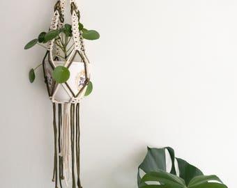"Macrame Plant Pendant ""NR. 26"" | Handmade Pothanger/Modern macramé"