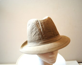 Safari vintage 80s  light beige cotton, quilted, sturdy, fedora  shape hat. Made by  Totes in USA. Size XL.