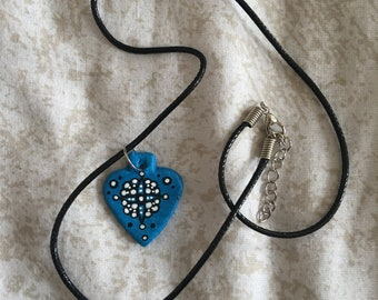 Blue patterned shaped necklace