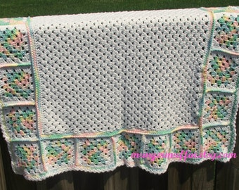 Baby Afghan White center with varigated grany square boarder
