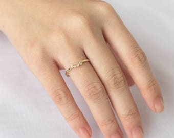 Milgrain Curve Five Diamond Band, 14k Solid Gold Ring, Milgrain Diamond Wedding Band, Diamond Ring, Anniversary Ring, Bohemian Inspired Ring
