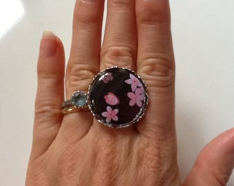 Pretty ring is gray with pink cherry blossoms