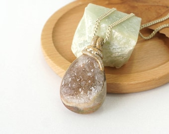 Sparkling Druzy Crystal Pendant Necklace, Drop Shape Natural Cream Geode Stone Jewelry, Perfect Gift Idea