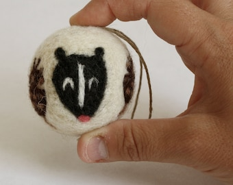 Needle Felted Ornament // Skunk Decoration // Woodland Theme // Christmas Ornament
