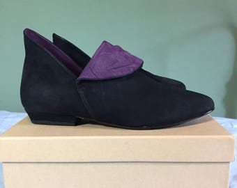 Purple and black suede ankle boots/winklepickers TWO DIFFERENT SIZES 6.5/7 80s 90s goth punk quilted bootie made in Brazil Liz Olemberg