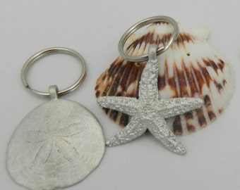 Pewter New England sand dollar or sugar star keychain//nautical keychain//pewter keychain//coastal gifts