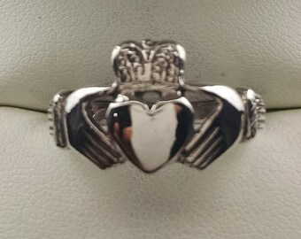 Size 6.5 Claddagh Irish Ring in 935 sterling silver